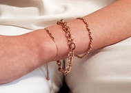 Picture of 18k rose gold bracelet with black diamonds