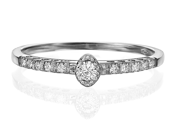 Изображение Engagement Ring -Oval Shape 0.13 CT TW